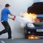 Cách xử lý khi gặp tình trạng ô tô bị cháy