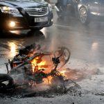Hiểm họa khôn lường từ xe máy, xe đạp điện, làm sao để tránh?