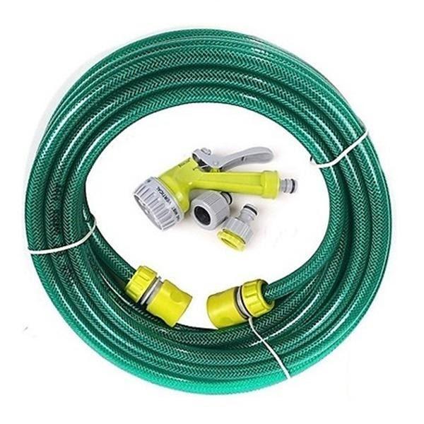 Cuộn dây có vòi xịt nước